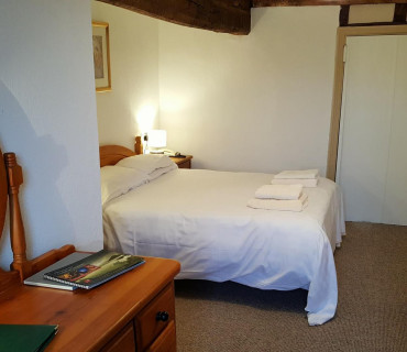 Double room ensuite (inc breakfast - 4)