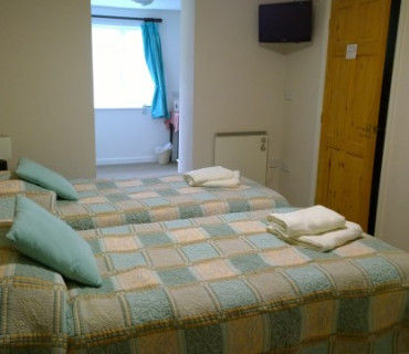 Twin En-suite Room (inc. breakfast - 17)