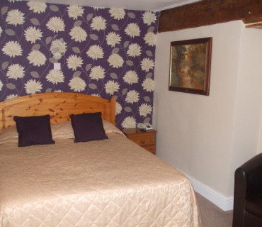 Double En-suite Room (inc. breakfast- 3)