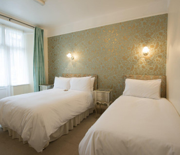 Accommodation Family En-suite 1 (inc. Breakfast)