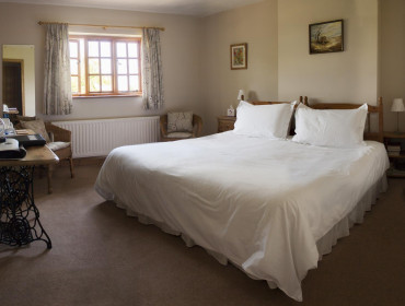 King-size En-suite Room (inc. breakfast)