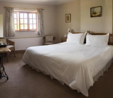 King-size En-suite Room (inc. breakfast)