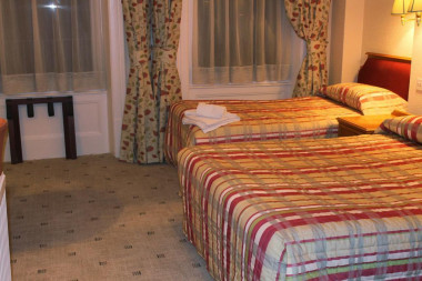 Family En-suite Room( Max child age 12years) Bed and Breakfast