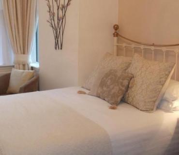 Ground Floor, King Size Bed, En-Suite (Room 2)