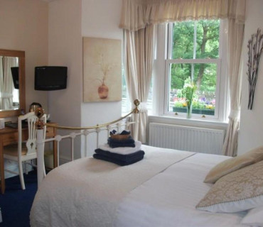 Ground Floor, King Size Bed, En-Suite (Room 2)