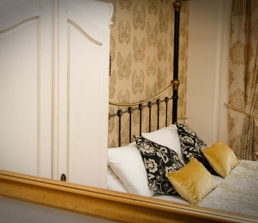Four Poster Bed En-suite Room.